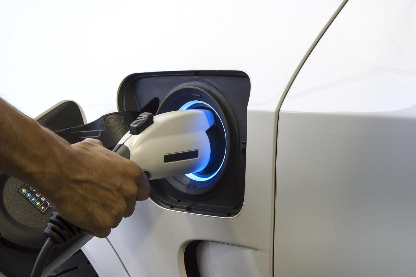 曾瀕臨破產的瑞薩電子斥資2千億收購美IDT,想靠汽車晶片重新壯大