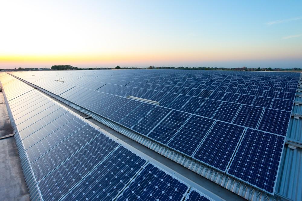 疫情蔓延加上野火肆虐,美住宅太陽能發電需求大!帶動綠能股漲翻天