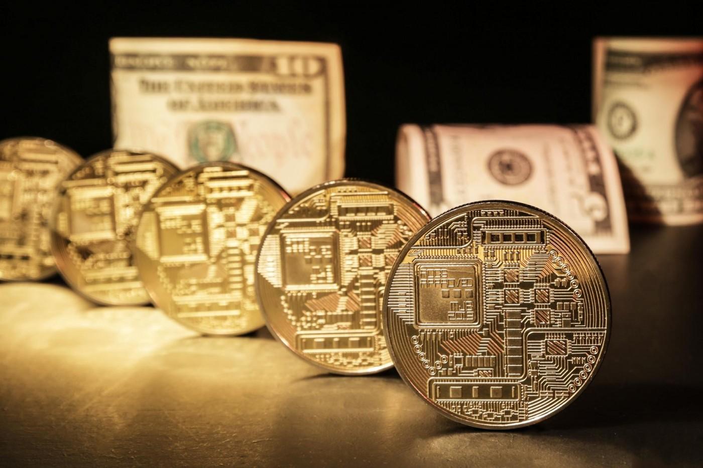「冠狀幣」問世!這群人靠密碼貨幣發災難財,疫情越慘價越高