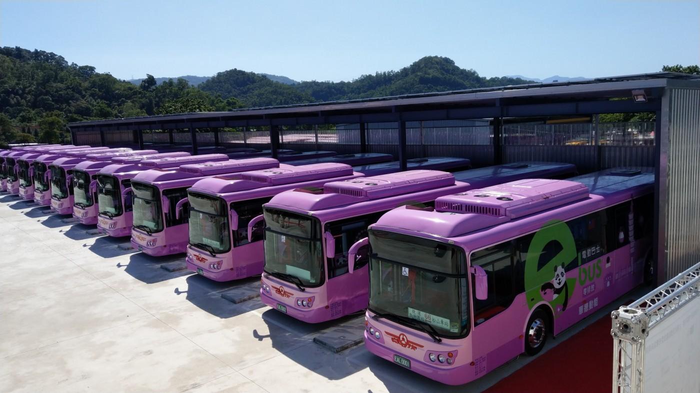 欣欣客運搶頭香!台北市首條全電動公車路線啟用,車輛國內自主研發