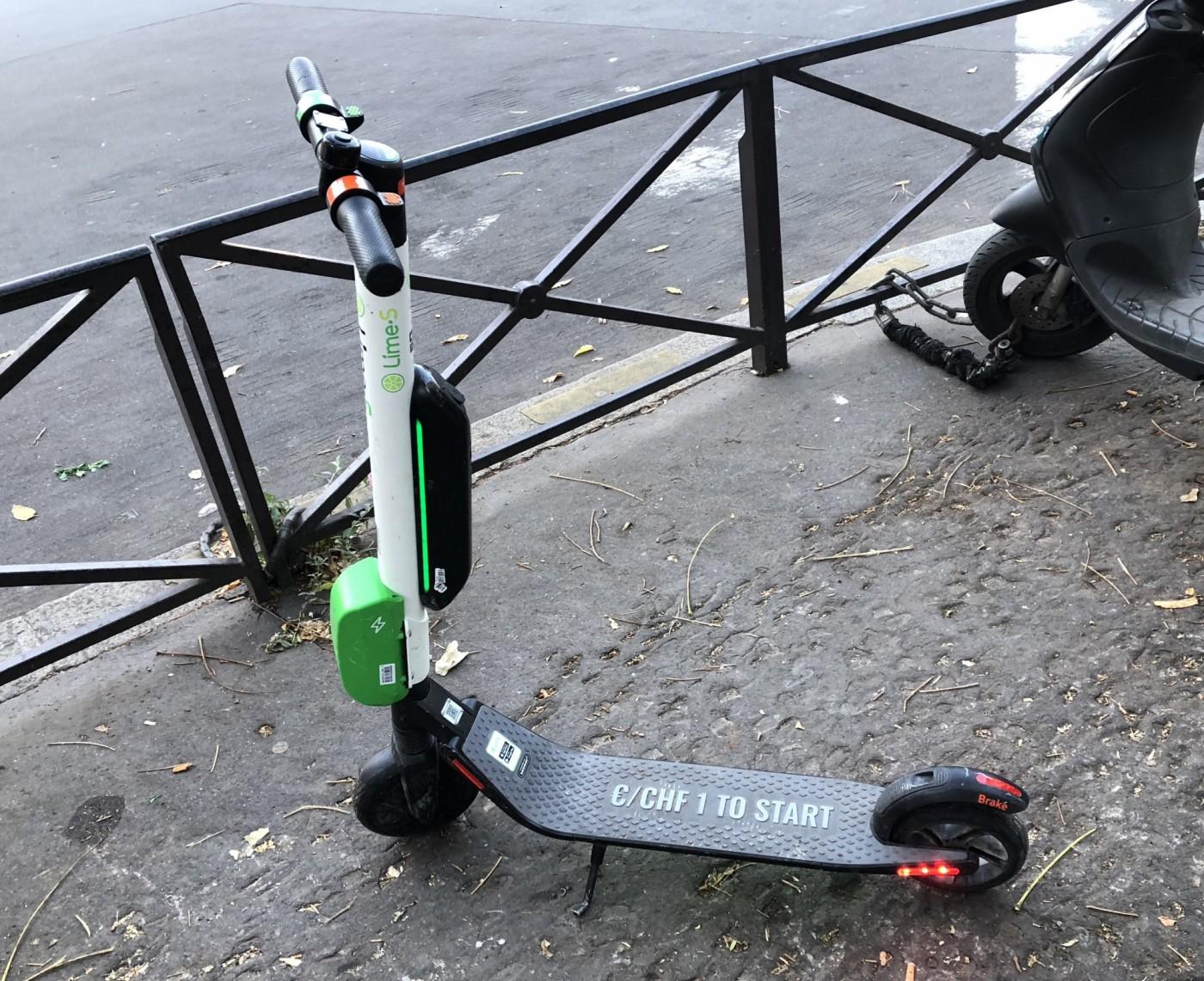 巴黎觀光交通新選擇:共享電動滑板車實測與攻略