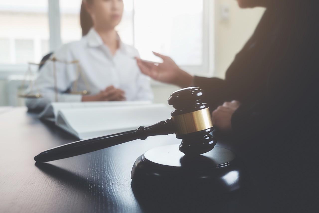 疫情癱瘓法庭!美最高法院首度採「電話審案」,一律線上答辯