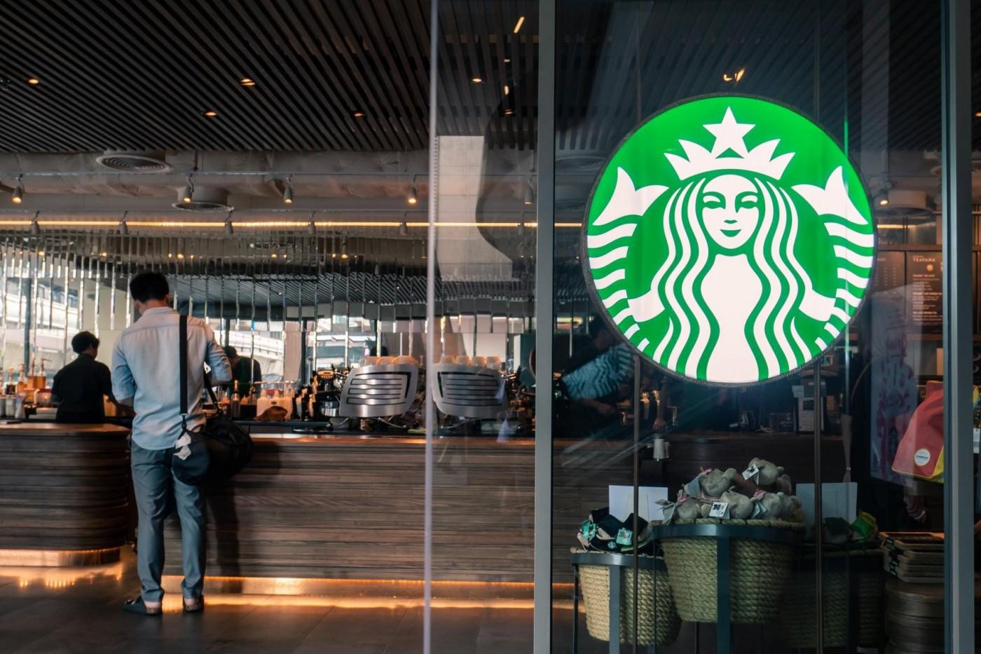 星巴克新店型登場!咖啡竟然不是主角?
