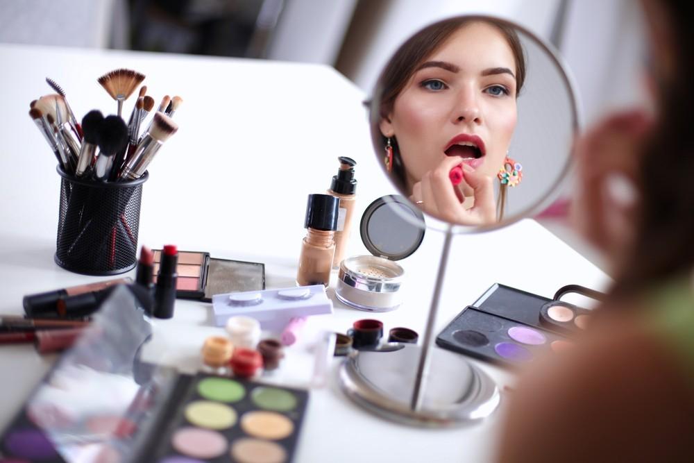 繼車、房、雨傘之後,中國推出新共享經濟項目:有各種彩妝的化妝間