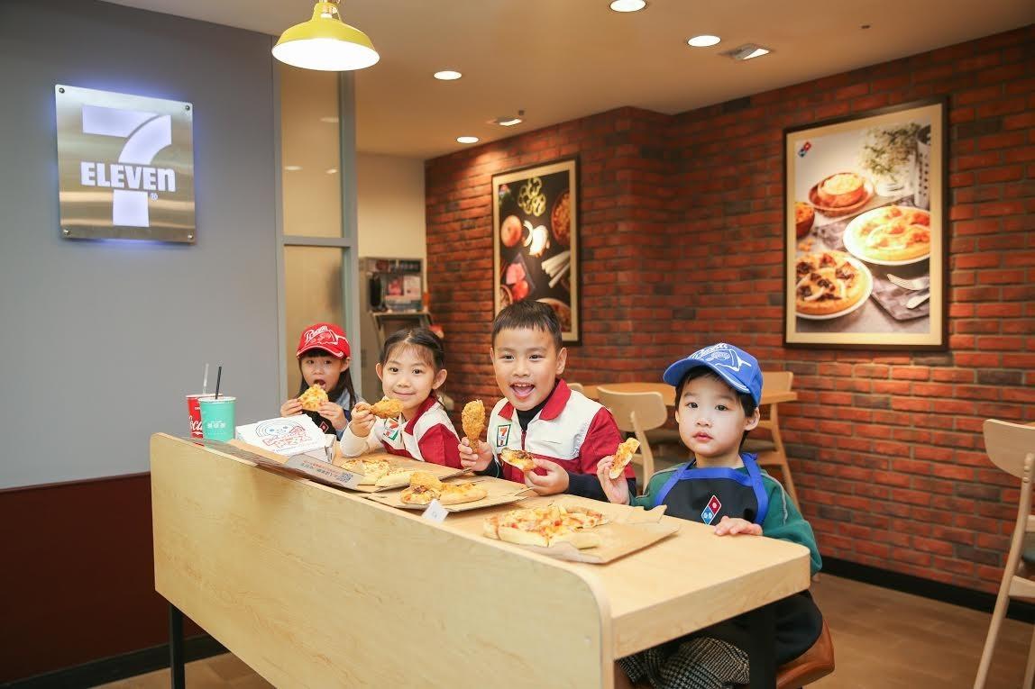 超商開賣現烤披薩!7-11聯手達美樂搶攻80億元市場大餅