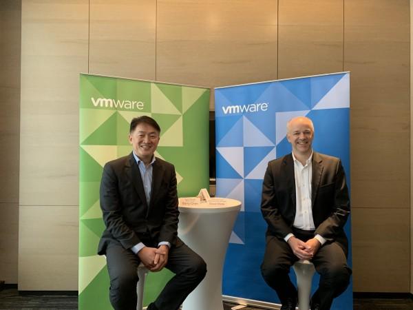抢数码转型商机,VMware联手AWS在台推企业混合云服务