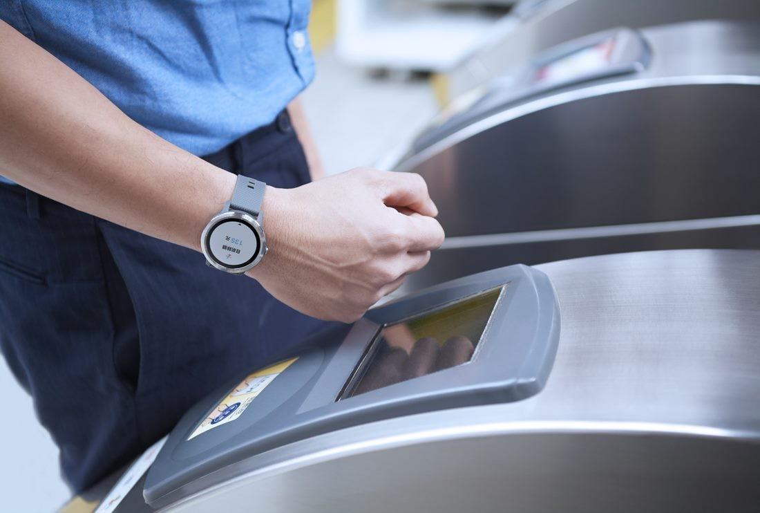 智慧手錶嗶進捷運站,悠遊卡董座陳亭如的穿戴支付練習曲
