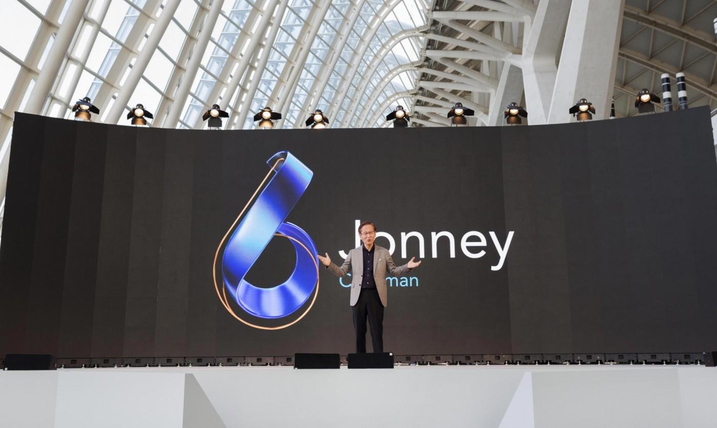 狂野的翻轉鏡頭!華碩ZenFone 6走一條蘋果、三星不同的路