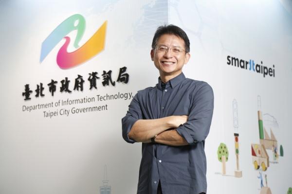 Например, Лу Синьке считает, когда гражданам необходимо проводить онлайн-транзакции с определенной компанией, если им необходимо пройти сертификацию, они могут получить ее через Систему сертификации города Тайбэй.