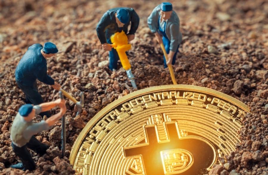 shutterstock_759837652_bitcoin.jpg