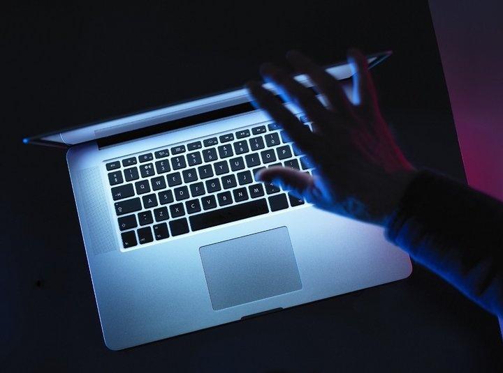電池有起火風險!蘋果火速向全球召回部分15吋Macbook Pro