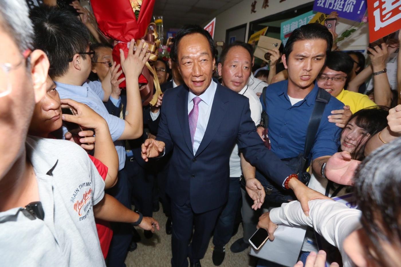 【最後一場股東會】郭台銘:任內無愧良心,選總統對鴻海股價有幫助