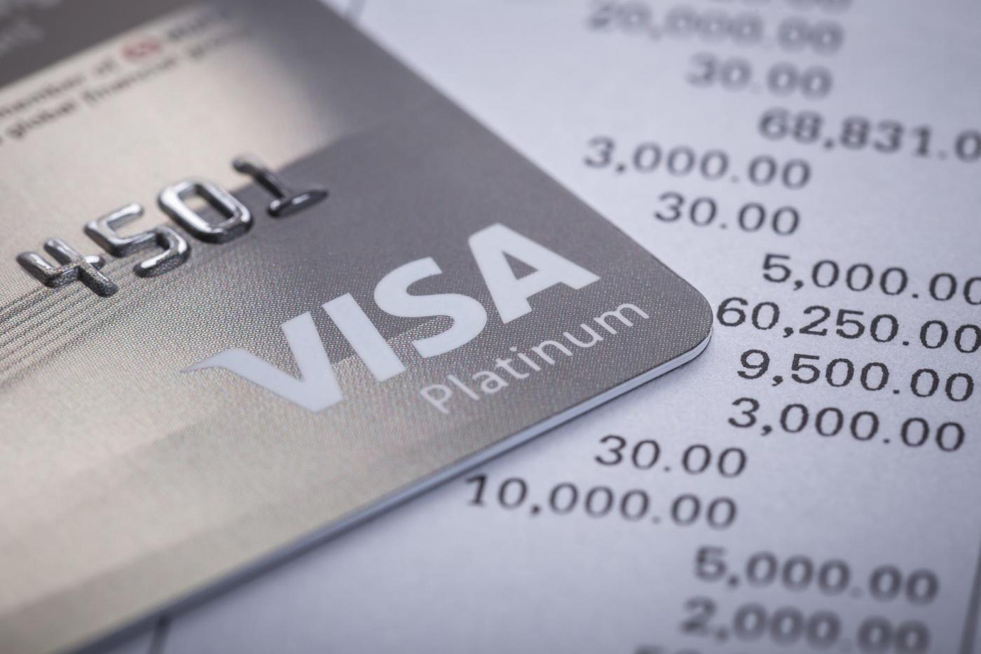 比特幣不斷飆漲!Visa攜手加密貨幣新創BlockFi,明年推比特幣回饋信用卡