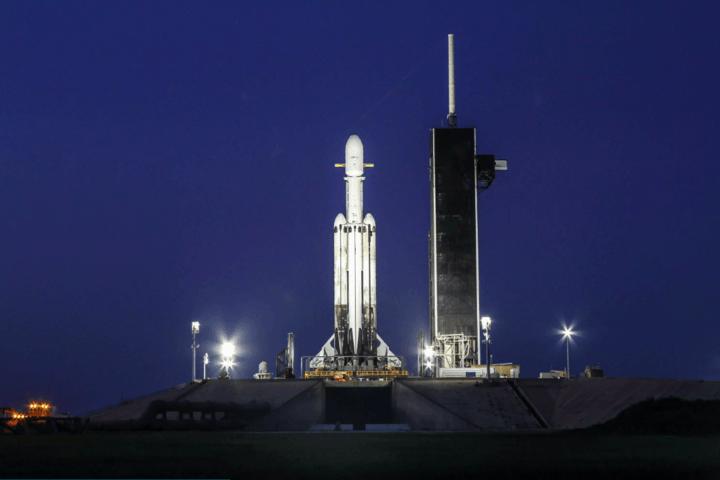 除了福衛七號,還帶了152人的骨灰!馬斯克說這是SpaceX最艱難的一次發射