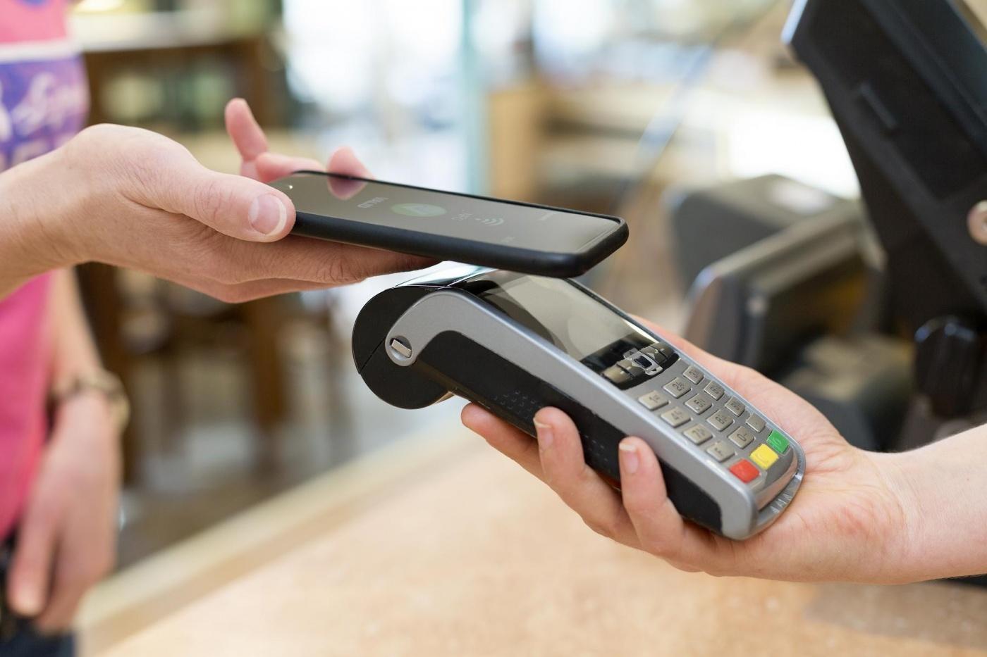 日本消费税调涨效应,纸币失宠、手机支付比率激增60%