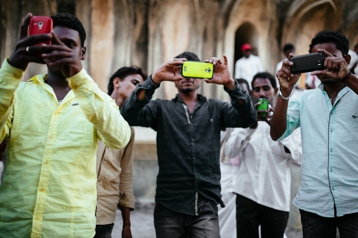 全球掃描:假訊息比病毒更令印度頭痛/獲選最佳領袖,李文亮微博卻成了一道哭牆