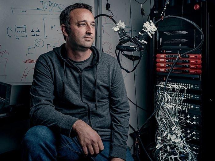 脑电波打字怎样?Facebook成功拆解大脑想法,准确度破7成