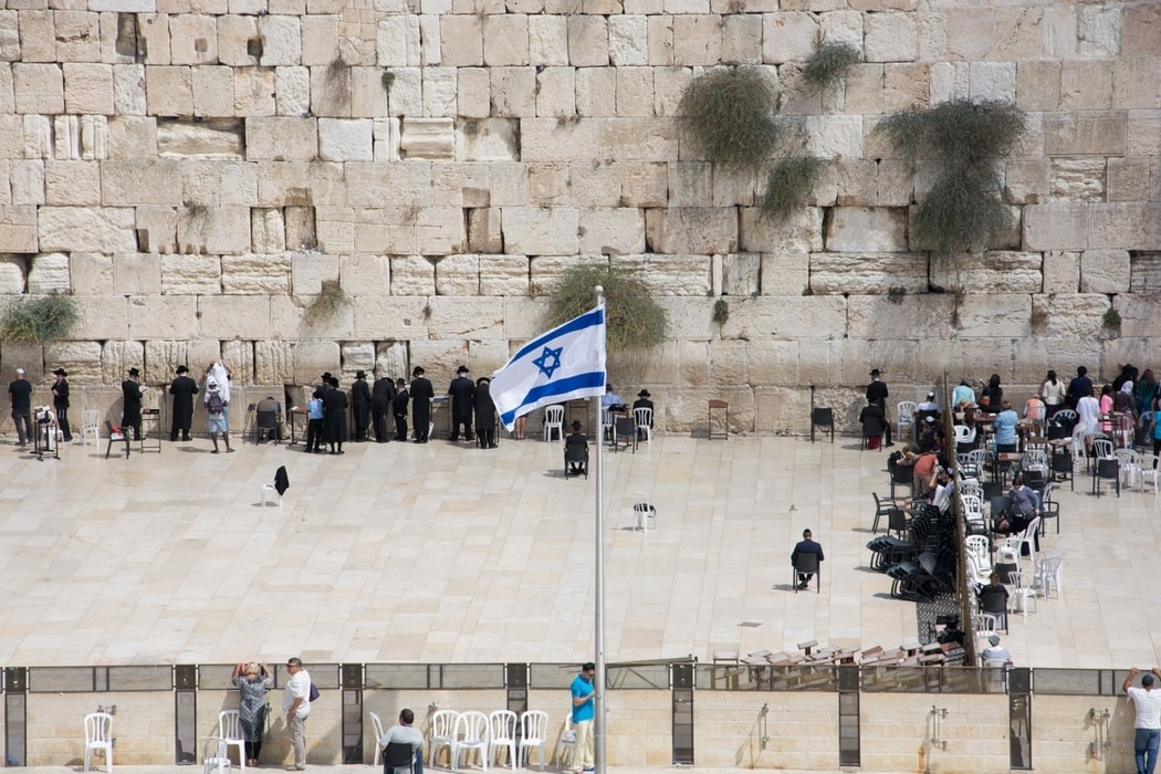 有話直說讓人受不了?以色列式溝通就是開門見山,談判桌上則是「零和模式」
