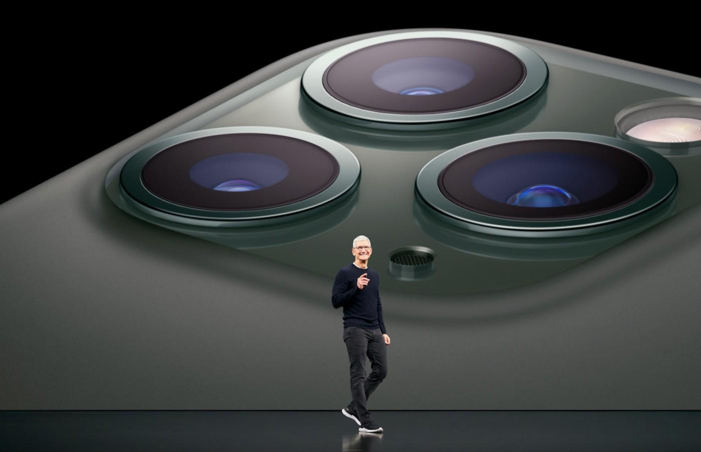 一場以「創新」命名的iPhone發表會,最大的梗卻是蘋果首次降價?