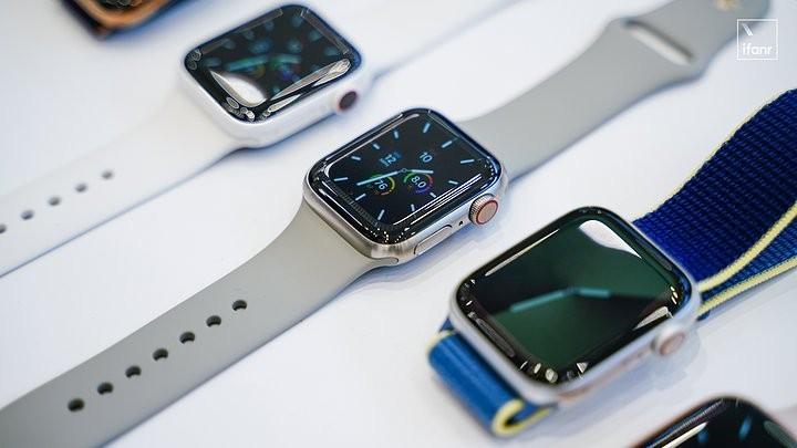 Apple Watch S5 現場體驗:續航長達18小時、不熄滅螢幕用起來如何?