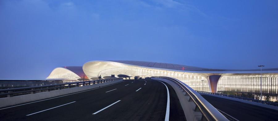 img 1569987285 73016@900 - 世界最大单一建筑航站楼!金色海星盘据,Zaha Hadid 设计的北京大兴国际机场
