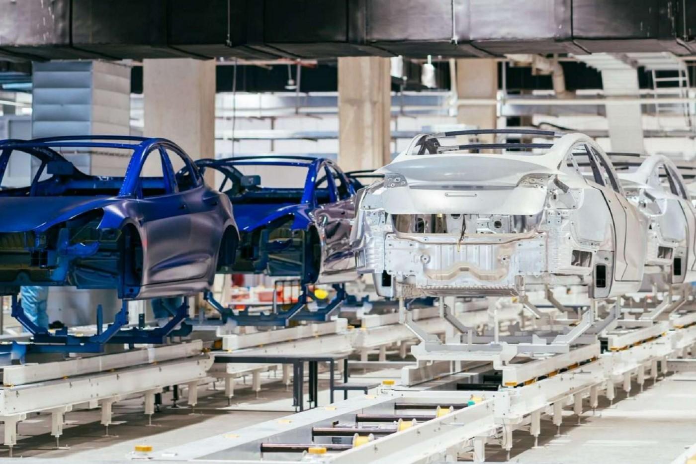 不到一年就投產!特斯拉首批上海製造Model 3今交車,減稅加補貼政策助攻中國業績