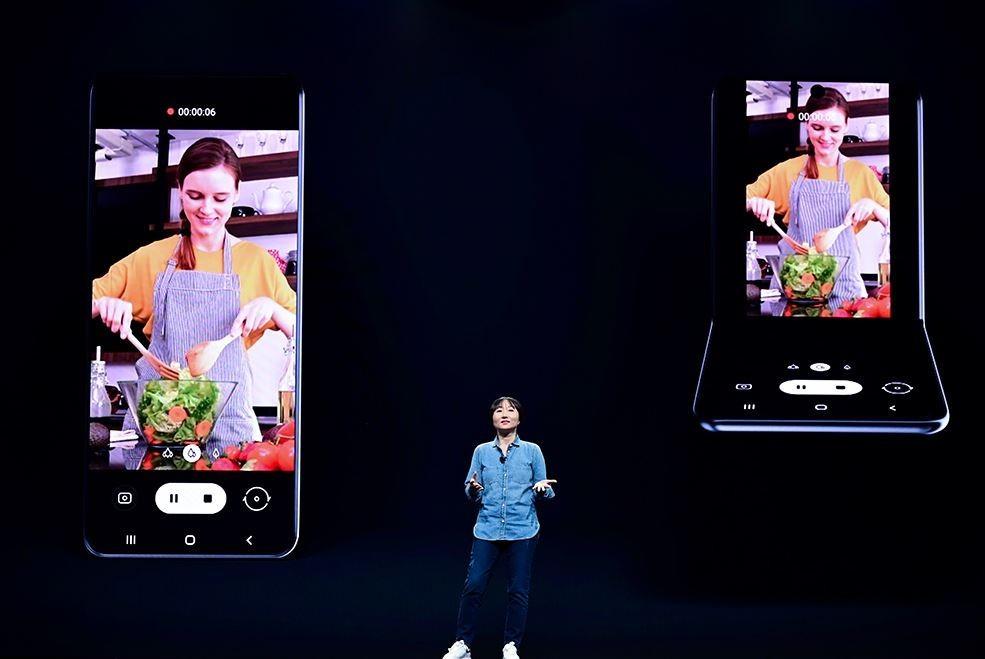 不懼Galaxy Fold挫折!三星開發者大會登場,揭第二代折疊手機概念影片
