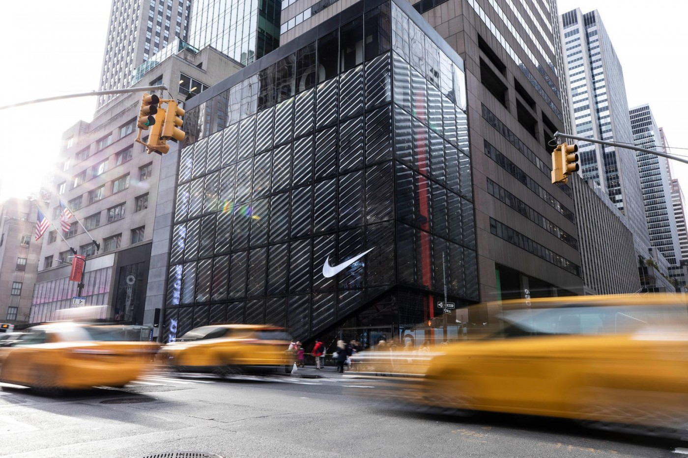 Nike慘虧232億、線上銷售大爆發也挽不回!執行長預告將兩階段裁員