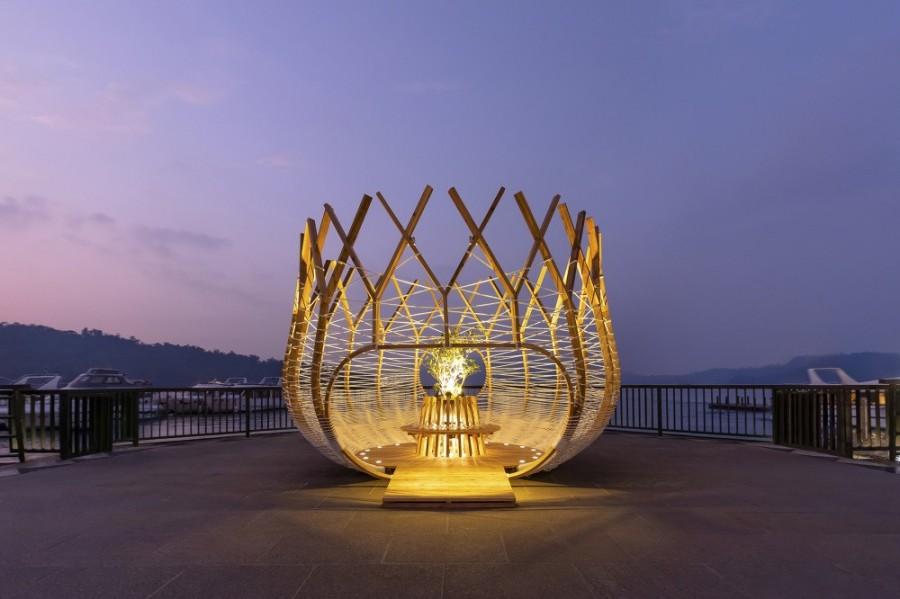 以「青背山雀」為靈感的藝術新作!范承宗「築巢計畫II」亮相日月潭伊達邵碼頭