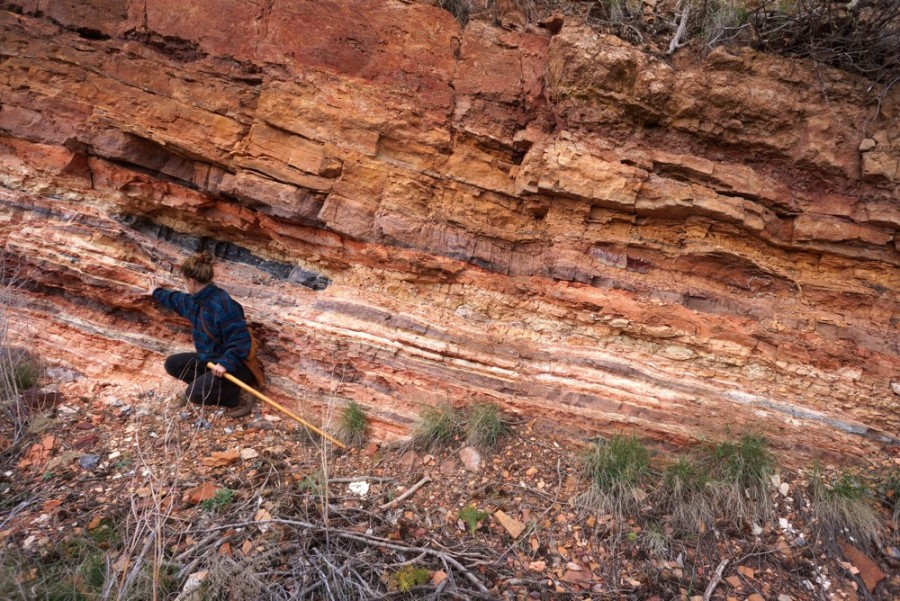 """500 种大自然的颜色!采集矿石打造天然调色盘,美国艺术家的""""赭石数据库"""" 4"""