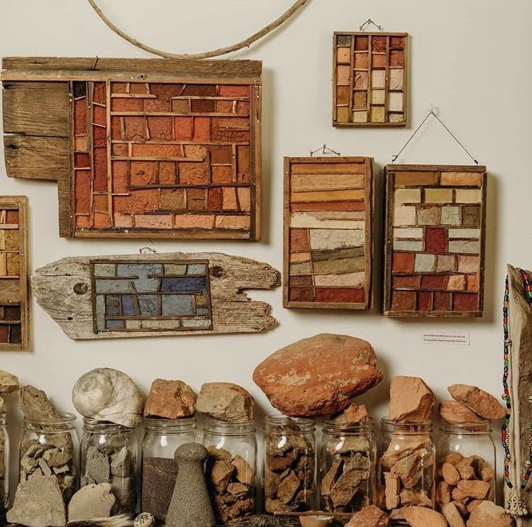 """500 种大自然的颜色!采集矿石打造天然调色盘,美国艺术家的""""赭石数据库"""" 7"""