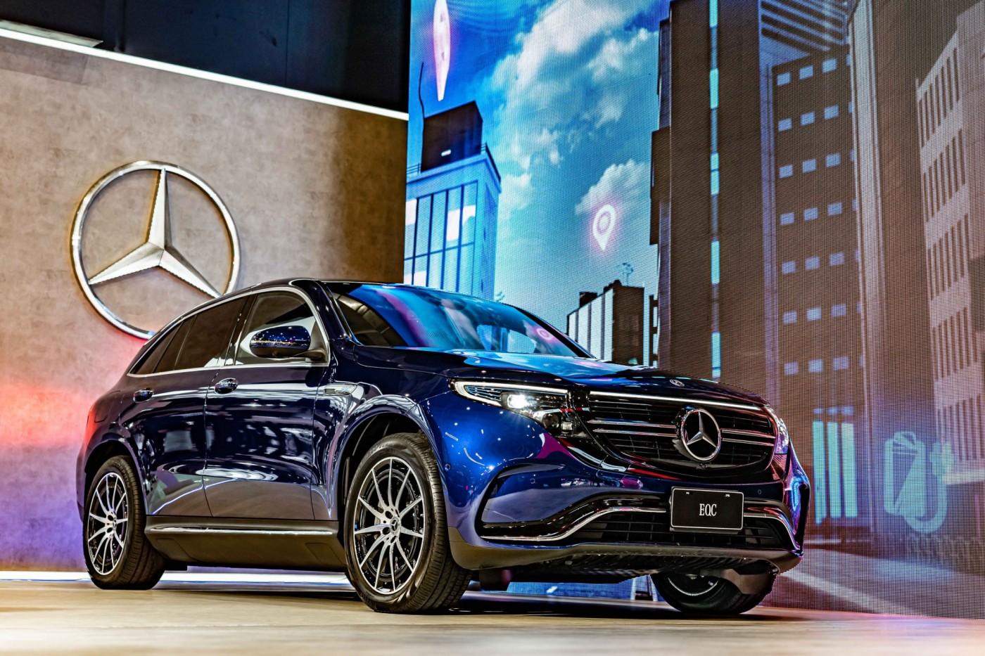 330萬元起跳!賓士首部量產電動車EQC在台開賣,性能、充電優惠一次看