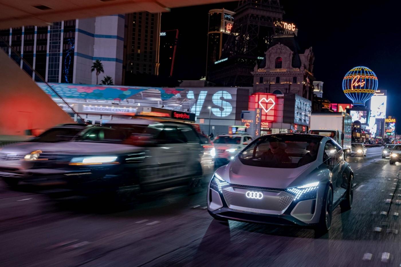 賓士、奧迪、BMW都在談乘車體驗,CES2020汽車科技兩大趨勢觀察
