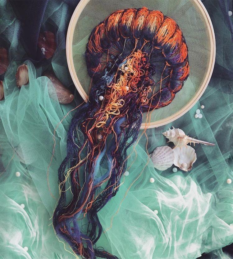 img 1581407907 90214@900 - 恍如梦境的水母刺绣!结合刺绣、针毡、串珠技法,展现水母的自在悠然