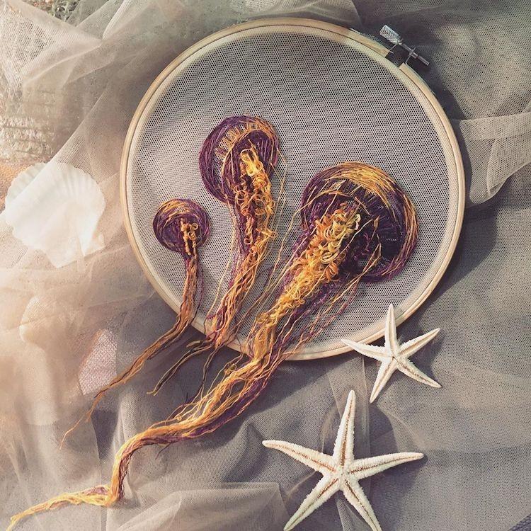 img 1581407917 43093@900 - 恍如梦境的水母刺绣!结合刺绣、针毡、串珠技法,展现水母的自在悠然