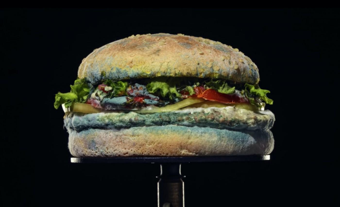 漢堡王最新廣告上演華堡「發霉腐敗」全過程,為了什麼?訴求合理嗎?