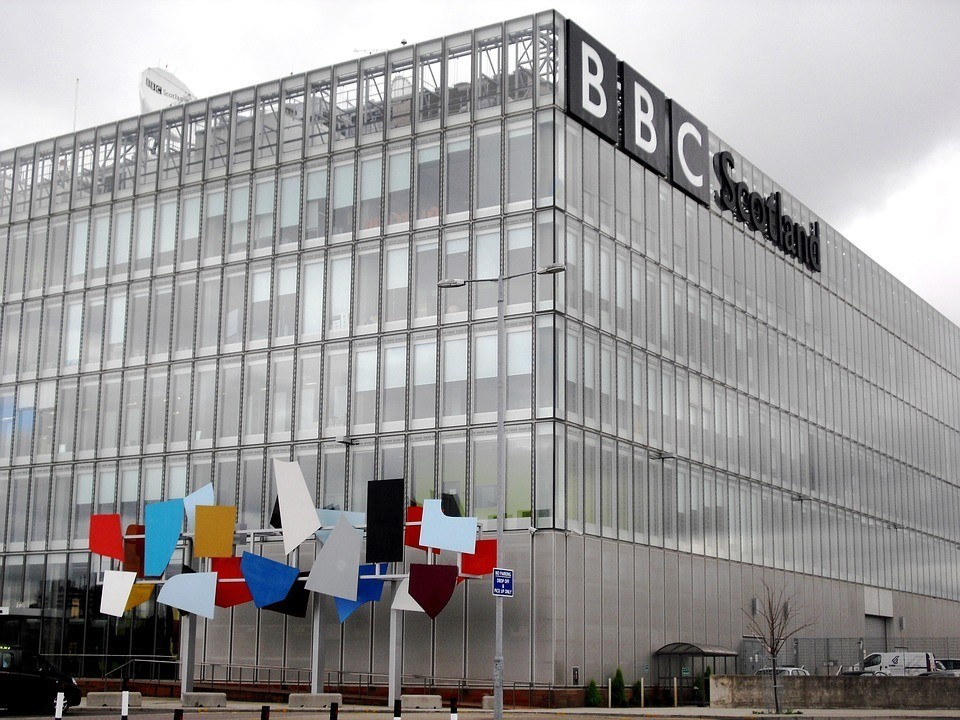 牌照稅被砍,BBC可能要斷糧了!98歲老牌媒體該怎麼走下去?