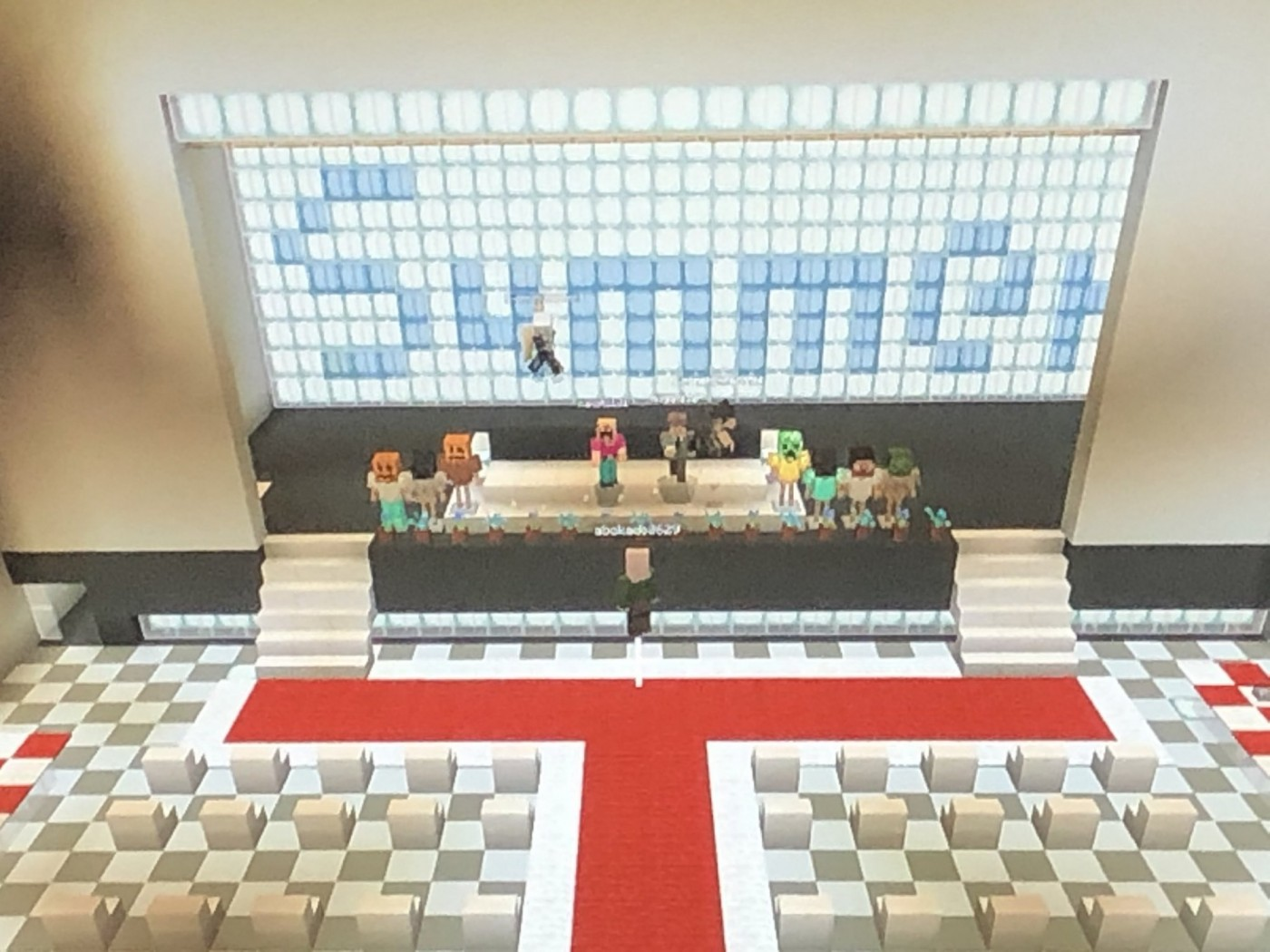 日本小學生停課不停學!一群小六生用《Minecraft》舉辦自己的數位畢業典禮