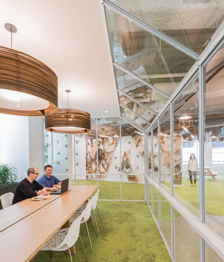 img 1585040122 81751@900 - Adobe 总部长这样!以员工和圣荷西地方文化为本,打造能激荡创意流动的开放式工作空间