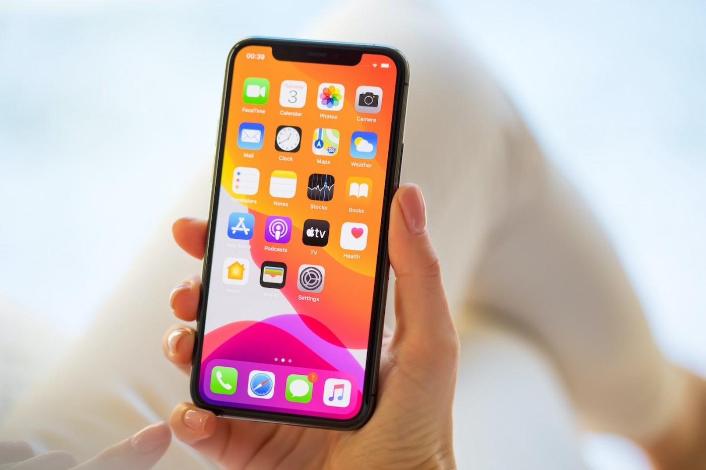 病毒能在手機上活9天,怎麼消毒才正確?蘋果、Google、三星官方建議作法