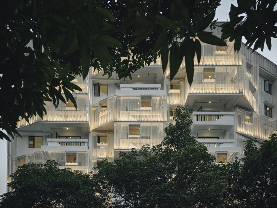 """img 1590465509 26972@900 - 老旧集合住宅的轻盈转身:以设计为建筑""""减重""""打造喧闹城中的宁静居所"""