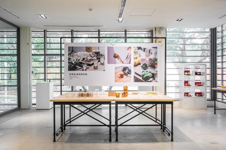 春室 - 2F「春玻選物」販售春玻與W春池計畫精選玻璃瓶與器皿,以100%可循環再製的玻璃,實踐環境