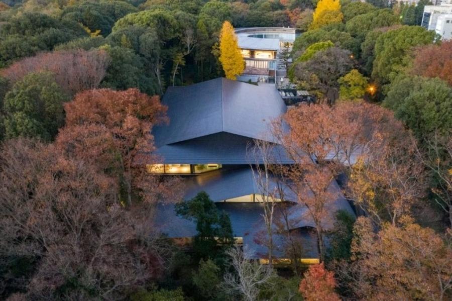 """img 1592640685 83213@900 - 隈研吾操刀日本""""明治神宫博物馆""""!以禅意形式与自然共生共存、绿林围绕的静谧空间"""