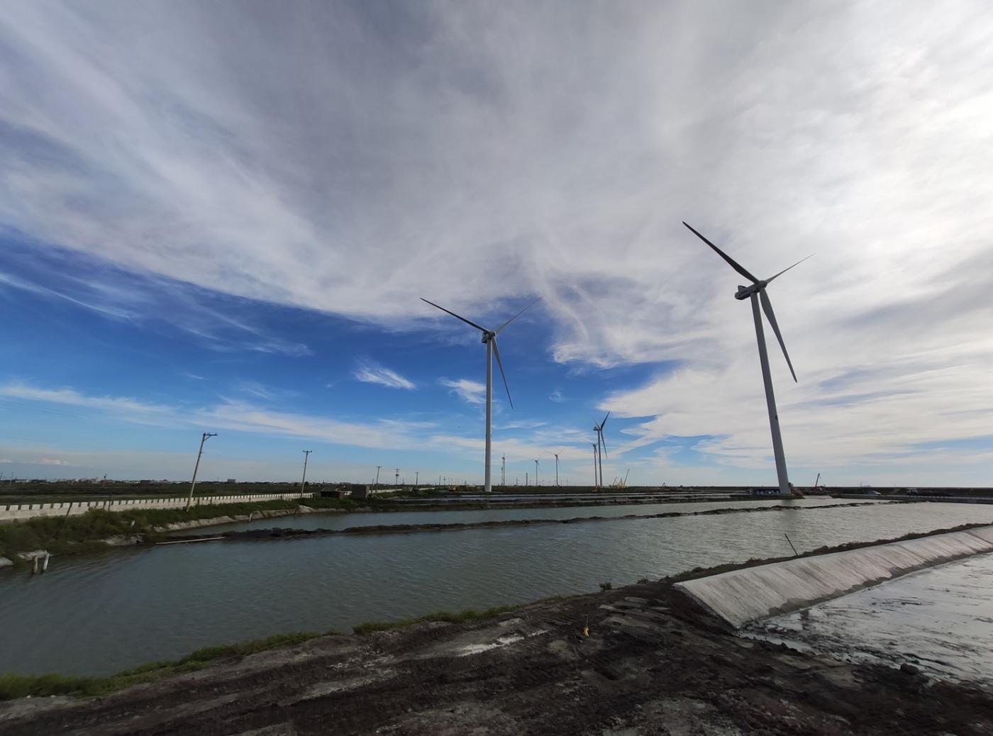 台灣首批1億度綠電交易,曝光郭台強8年能源布局