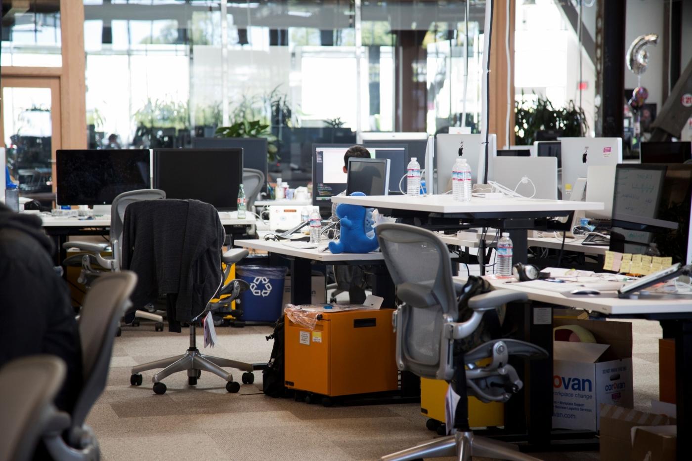 遠端工作影響效率?疫情激發社群巨擘WFH,辦公室空了、全球人才卻來了
