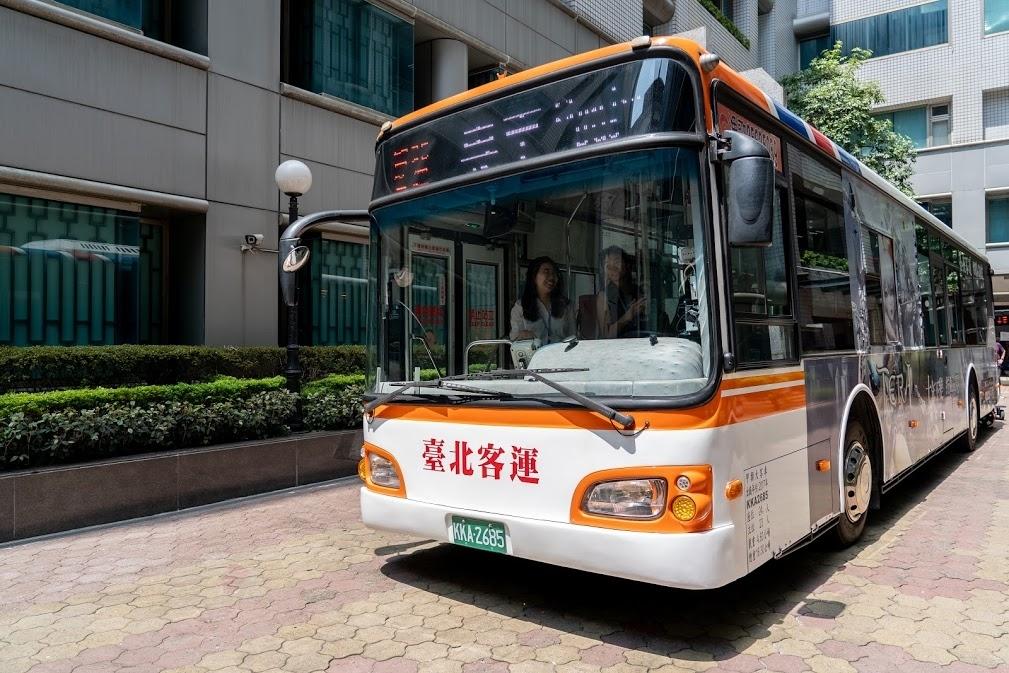 汽車後裝市場夠藍海?威盛與台北客運合作,導入AI商用車駕駛輔助系統