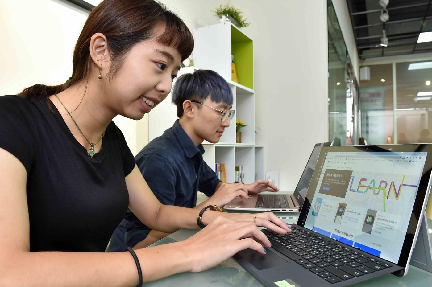 免費線上課程之外,微軟攜手東吳大學動人才培育計畫,打造「一條龍」養成服務