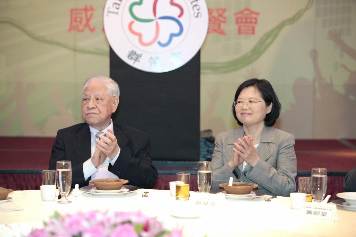 前總統李登輝辭世!他曾言:台灣要做「諾亞方舟」,而不是鐵達尼號