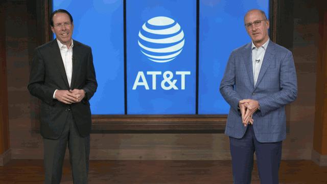 曾力挺賈伯斯第一支iPhone!AT&T執行長卸任,這位電信大腕如何花12年讓營收翻三倍?