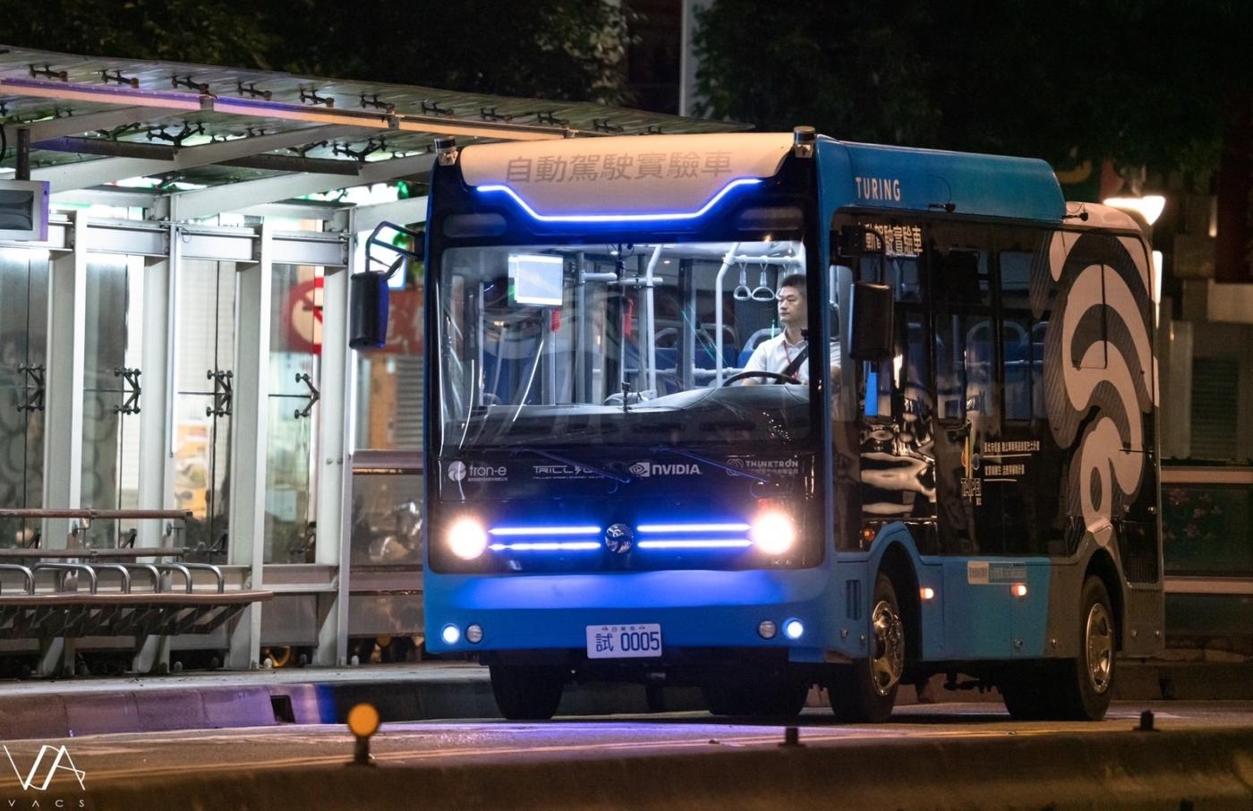 信義區的深夜無人公車,為V2X暖身!揭開5G自駕車的創新服務模式